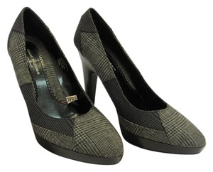 Isaac Mizrahi Size 7.50 M Plaid Design Gray, Black Pumps