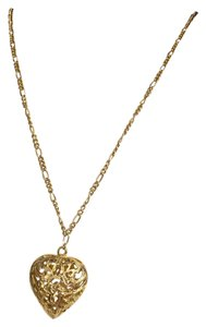 Claire's Claire's Vintage Gold Heart Medallion Necklace Figaro Chain