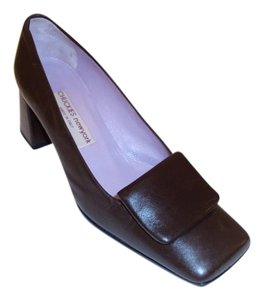 Chuckies New York Size 7 Leather Brown Pumps