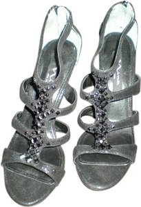 Nina Shoes New York Studded Heels Black Sandals