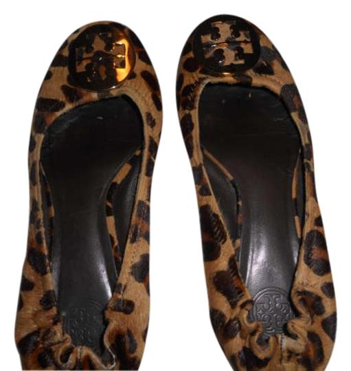 Preload https://item4.tradesy.com/images/tory-burch-leopard-reva-flats-size-us-85-197413-0-0.jpg?width=440&height=440