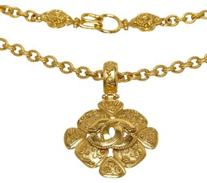 Chanel Chanel Gold Vintage CC Clover Long Necklace 96A