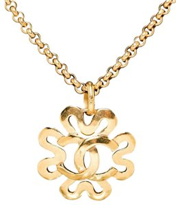 Chanel Chanel Gold Abstract CC Cutout Flower Medallion Necklace 95P
