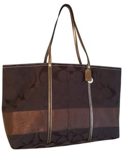 Coach Tote in Brown / Copper