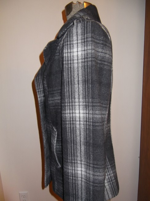 Old Navy Grey and White Coat Size 8 (M) Old Navy Grey and White Coat Size 8 (M) Image 3