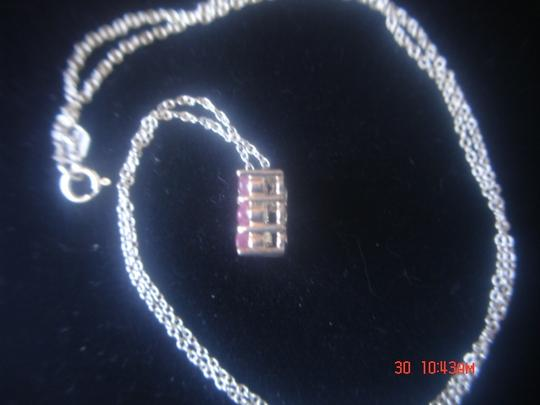 """Unknown STERLING SILVER SQUARE RAISED DESIGNED NECKLACE WITH 8 GARNET OR RUBIES PENDANT & 18"""" CHAIN"""