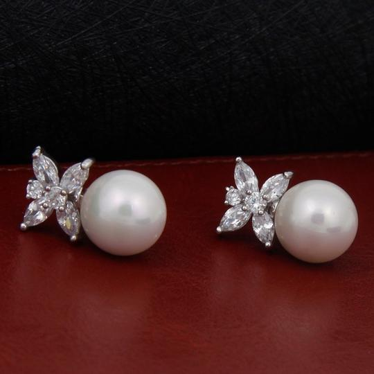 Clear Cz/Pearl and Rhodium Outstanding Quality Aaaaa Earrings Image 4