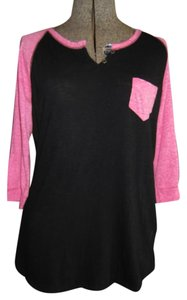 Rue 21 Size Large T Shirt Black and Pink