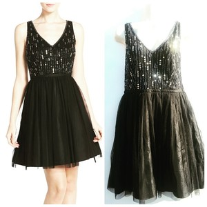 Adrianna Papell Hand Beaded Embroidered Embellished Tulle Structured Dress