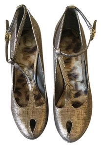 Sam Edelman Nivan Gold Antique Gold Platforms