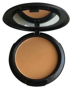 MAC Cosmetics Studio fix power plus foundation