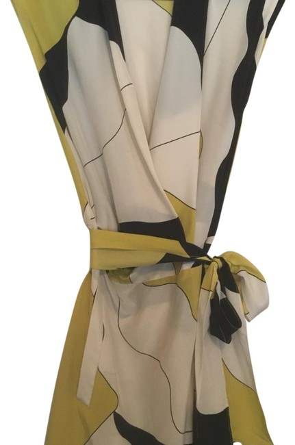 Item - White Black and Yellow Above Knee Night Out Dress Size 2 (XS)