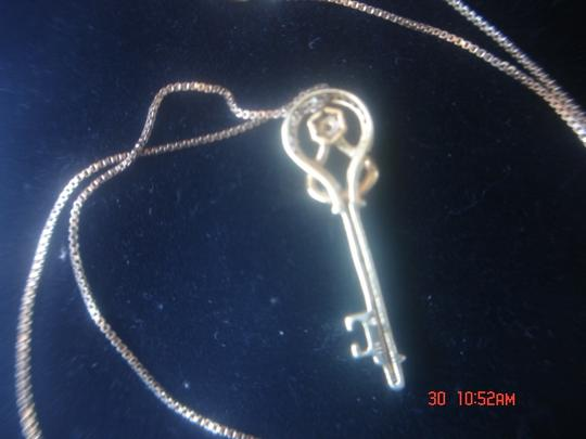 """Other KEY TO HER HEART NECKLACE/ GOLD OVER STERLING SILVER ZIRCONIA PENDANT ON A 18"""" BOX CHAIN NEW"""