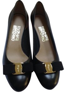 Salvatore Ferragamo New Vara Ferragamo Nero Pumps