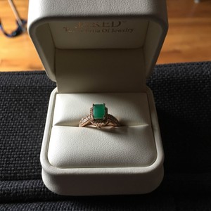 Jared Natural Emerald 1/3 Ct Diamonds & Rose Gold Ring - Art Deco Elegance