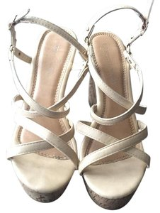 Spirit Moda Nude Wedges