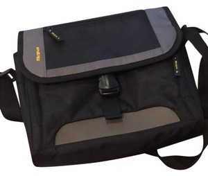 Targus Targus Quality ipad Messenger Travel Bag