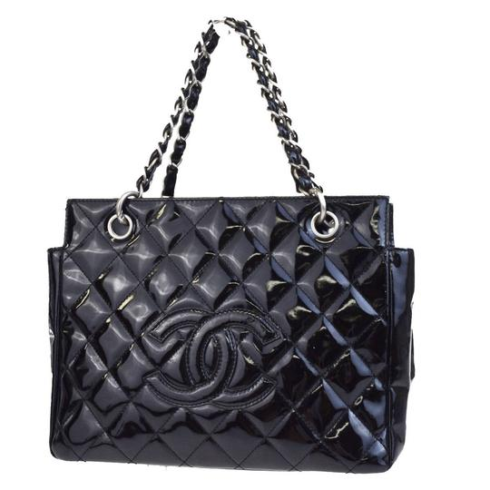 Preload https://img-static.tradesy.com/item/19748669/chanel-petite-timeless-shopper-tote-black-patent-leather-satchel-0-5-540-540.jpg