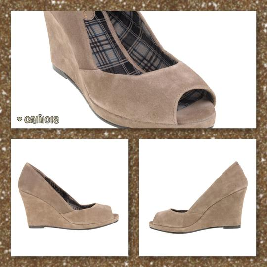 Chinese Laundry Open Toe Shooter Suede Leather Taupe Wedges