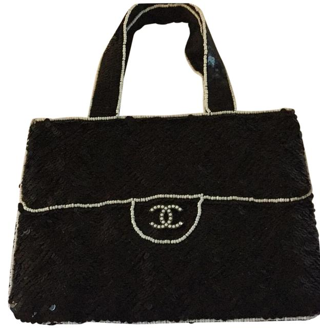 Item - Sequin and Beaded Black/White Canvas Baguette