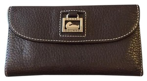 Dooney & Bourke Dooney Leather Wallet