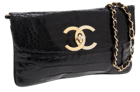 Preload https://img-static.tradesy.com/item/19749673/chanel-clutch-giant-cc-shiny-crocodile-vintage-rare-black-clutch-0-1-540-540.jpg