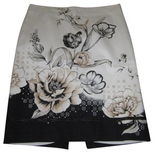 White House | Black Market Skirt White/Black/Tan Floral