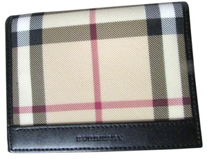 Burberry New Burberry plaid credit card and ID Holder