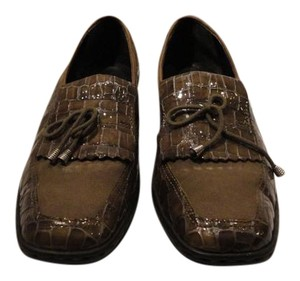Ara Leather Skin Loafer olive Flats