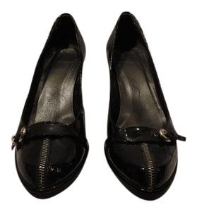 Stuart Weitzman Comfortable Patent Leather Zipper Detail Black Pumps
