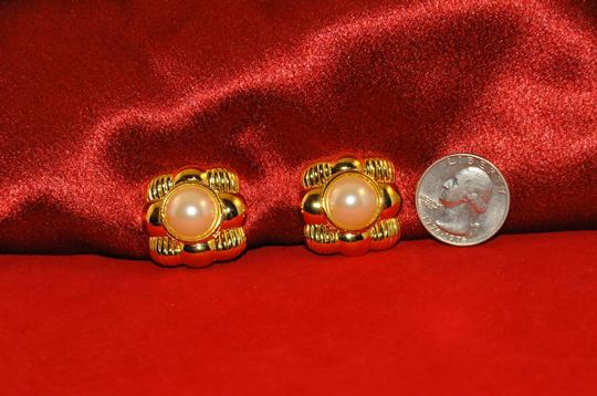 Joan Rivers Gold Tone & Ivory Faux Pearl Center Clip On Earrings Square Design
