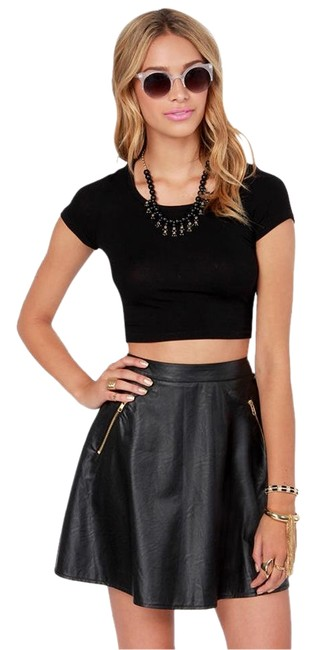 Preload https://img-static.tradesy.com/item/19751722/lulus-leather-to-the-editor-black-vegan-leather-skirt-size-4-s-27-0-1-650-650.jpg