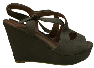 Forever 21 Wedge Suede Grey Wedges