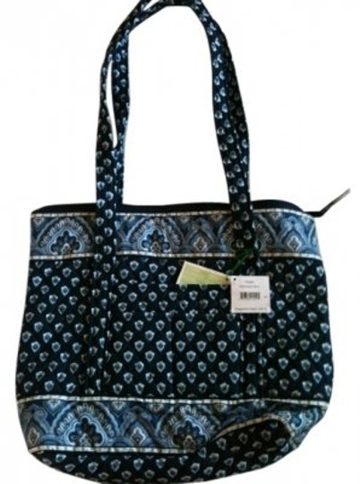 Preload https://img-static.tradesy.com/item/19753/vera-bradley-villager-nantucket-navy-tote-0-0-540-540.jpg