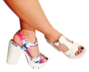 Call It Spring Heels Chunky Platform Sandals floral Platforms