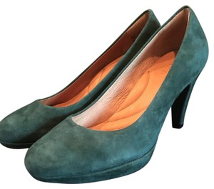 Clarks Forest Green Pumps