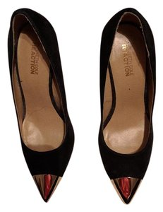 Kenneth Cole Reaction Black Pumps