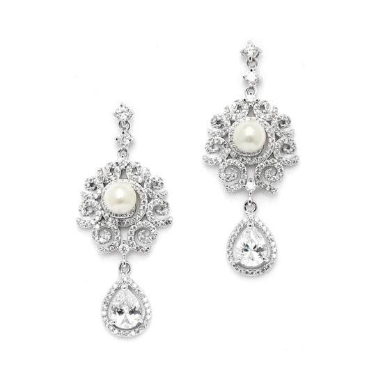 Preload https://img-static.tradesy.com/item/19756155/silverrhodium-brilliant-micro-pave-crystals-pearl-couture-earrings-0-0-540-540.jpg