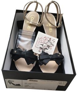 Chanel New Silk Ribbon Bow White. Black Sandals