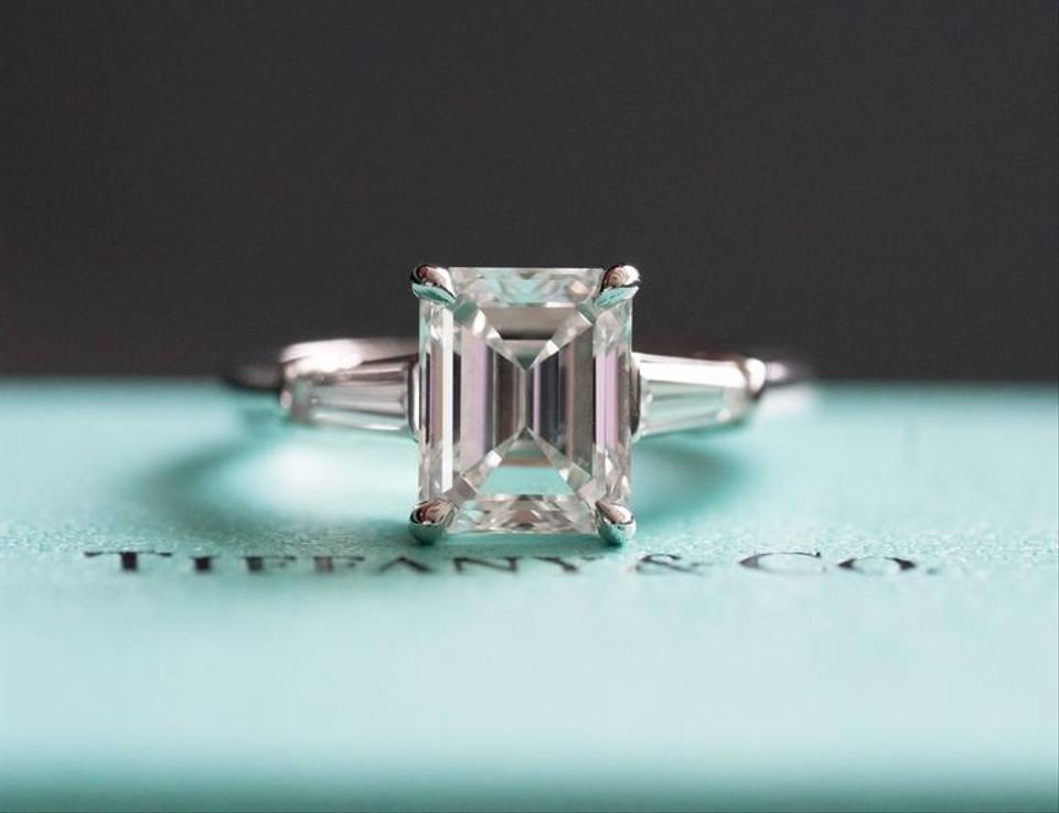 Tiffany Amp Co Emerald Cut Platinum 2 02ct Color G Clarity