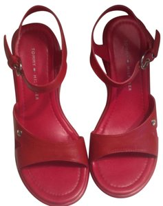 Tommy Hilfiger Vintage Platform Strappy red Sandals