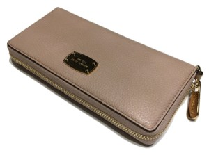 Michael Kors Michael Kors ZA Travel Continental Jet Set Clutch Wallet