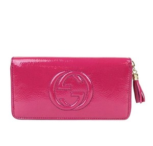 Gucci Gucci Soho Patent Leather Zip Around Wallet Fuchsia 308004 5563