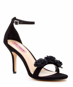 Betsey Johnson Bromme Suede Floral Black Sandals