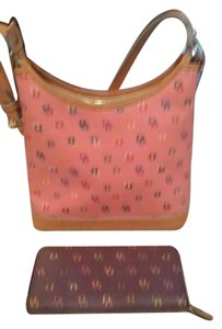 Dooney & Bourke Signature Set Shoulder Bag