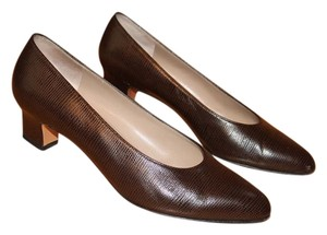 Salvatore Ferragamo Classic Calfskin Pump Brown Pumps