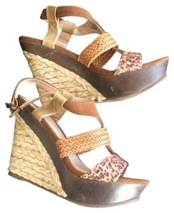 Carlos by Carlos Santana Nude Gold Brown Wedges