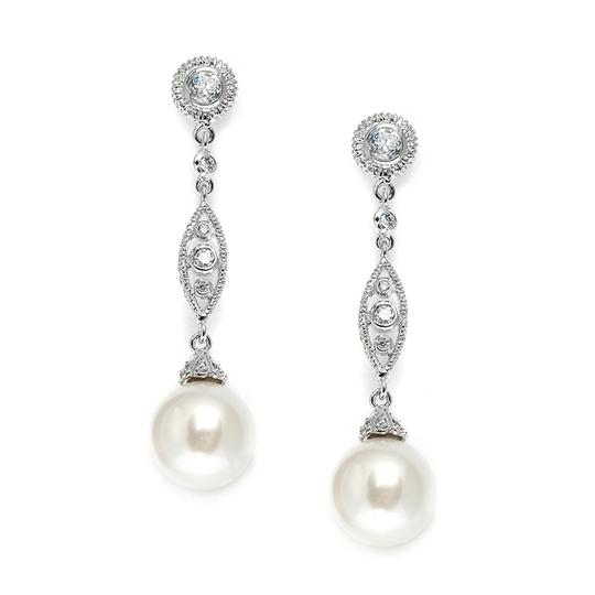 Preload https://img-static.tradesy.com/item/19758343/mariell-silver-angle-with-cz-filigree-bold-pearl-3625e-earrings-0-0-540-540.jpg