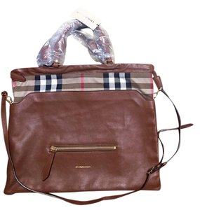 Burberry Tote in Brown Ochre