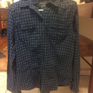 Woolrich Classic Comfortable Flannel Button Down Shirt blue plaid
